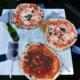 Frau und pizza
